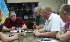 Встреча с мэром, активисты встретились с мэром, А Каменском активисты Патриот 2015 встретились с мэром, мэр Андрей Белоусов
